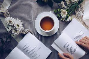 bog, bøger, gave, gaver, te, læse, blomster, mors dag, boggave, sommer