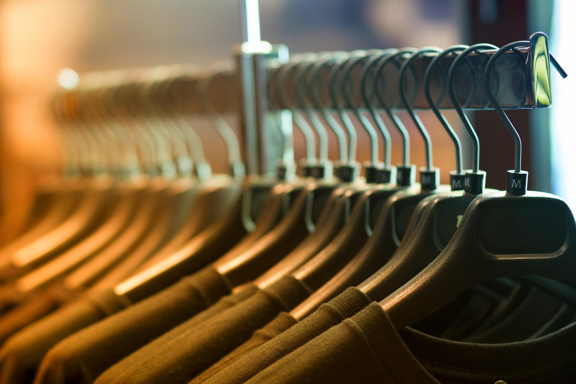 fn, tøj, tøjproduktion, tøjindustrien, forurening, olie, vand, menneskerettigheder, produktion, forbrug