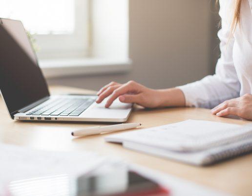 Job, arbejde, kontor, computer, skrive, jobsøgning, ledig, ledigheden