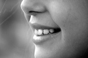 tænder ætse danskvand mund (Foto: Pxhere)