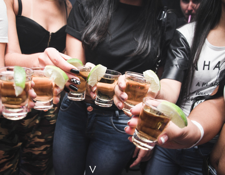 alkohol shots drink drinks cocktails unge studie studiestart