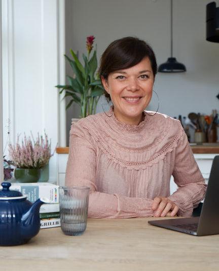 Louisa Lorang (Foto: Maria Warnke Nørregaard) kogebog flytte hjemmefra - forfatter kok