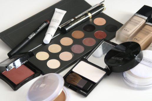 makeup, skønhedsprodukter, skønhed, pleje, beautyprodukter, beauty, makeup, køb, salg, produkter, rutine, pudder, øjenskygge