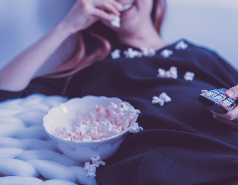 Film hygge streaming netflix hbo viaplay stream serie tv fjernsyn popcorn efterår
