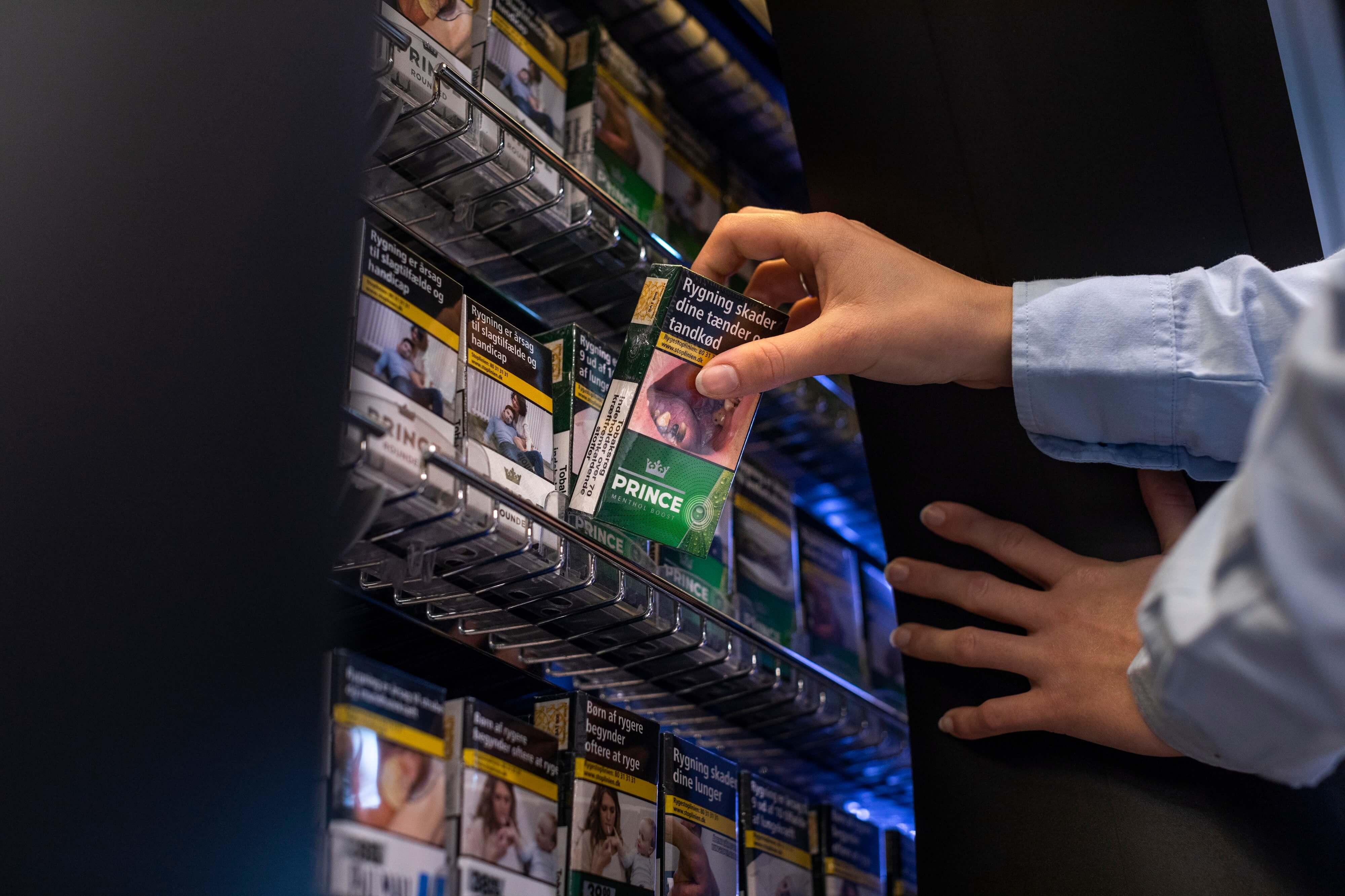 Dramatisk fald i salg af cigaretter til unge