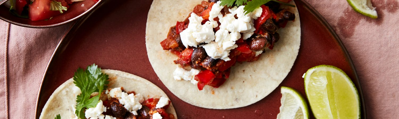 Tacos Spicy sorte bønner _Flere Kødfri Dage bog taco mexikansk mad