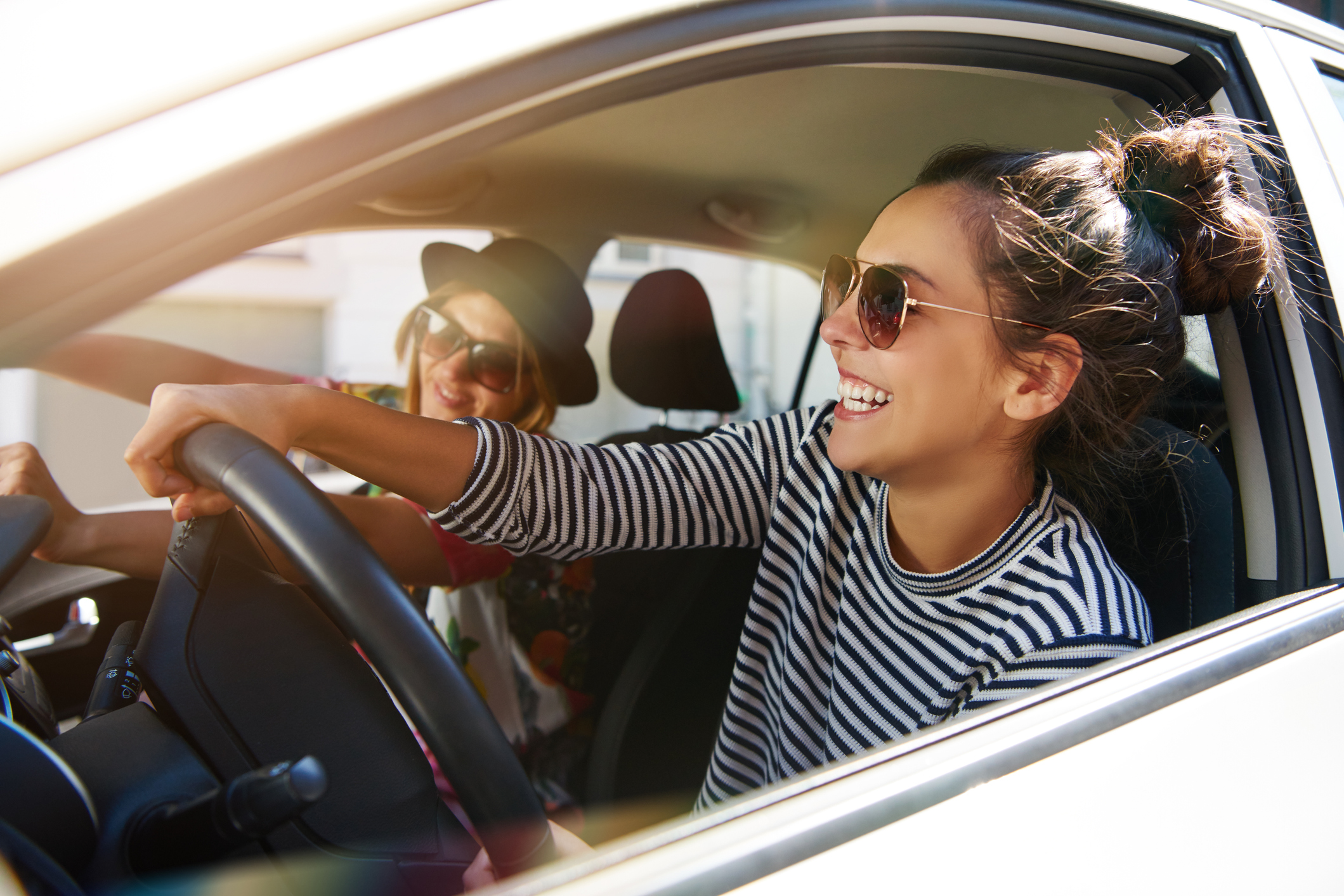 Bil, kørsel, transport, danskerne, glad, pige, veninder, kærlighed, hygge, sommer