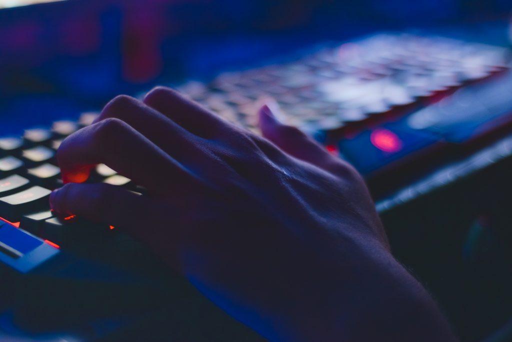 tastatur gaming spil computer (Foto: Pexels)