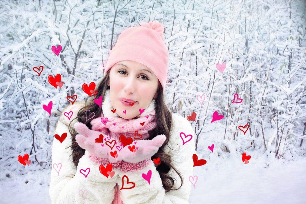 sne vinter pige valentines hjerter (Foto: Pxhere)