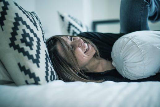 pige sove seng velvære (Foto: Pixabay)
