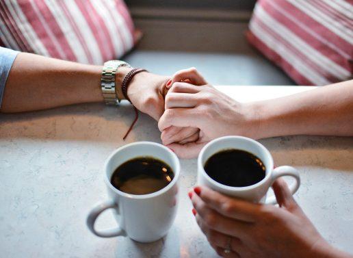 café kaffe veninder samtale (Foto: Pixabay)