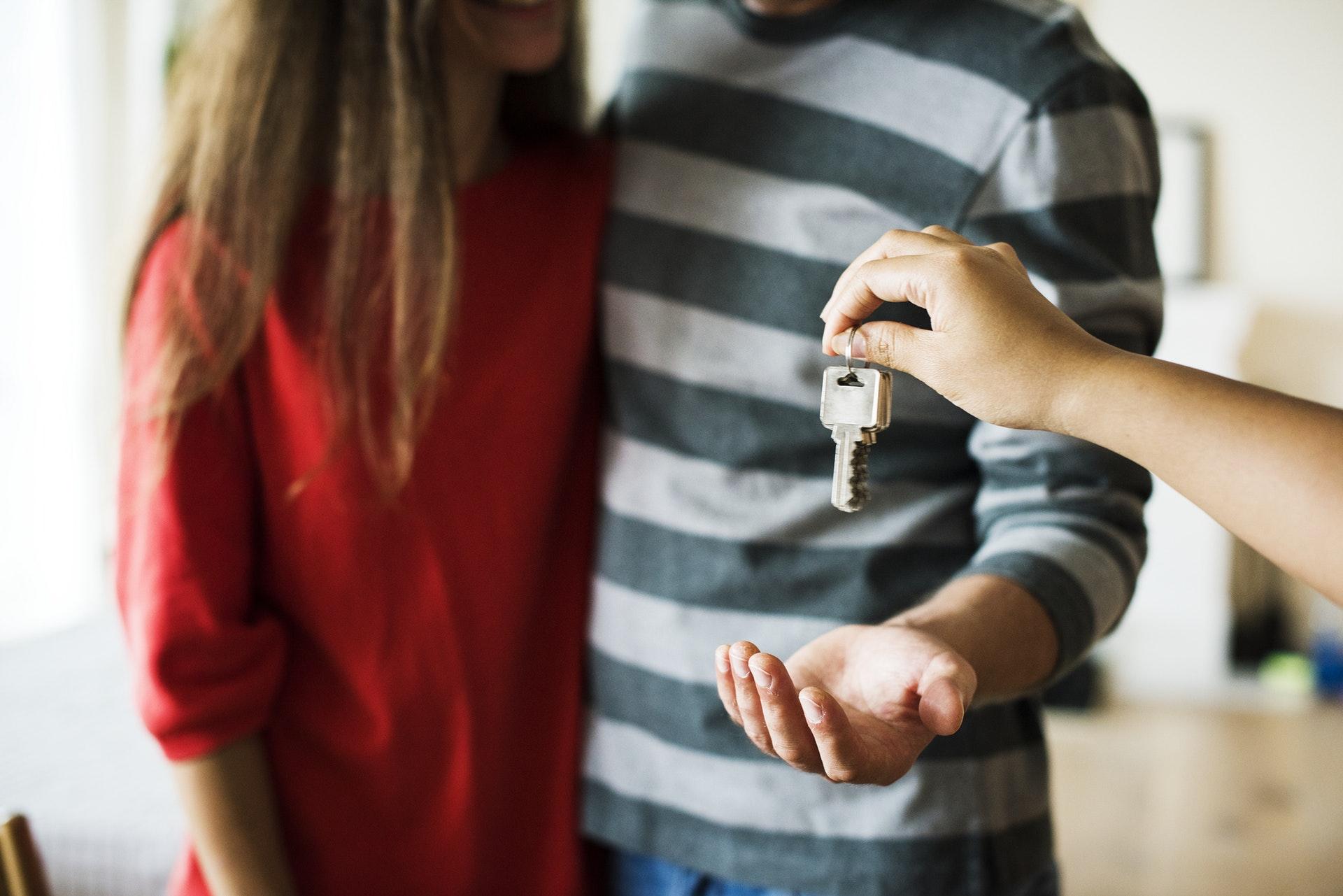 Bolig, boligportal, flytte, flyt, par, kærlighed, hus, hjem, bolig