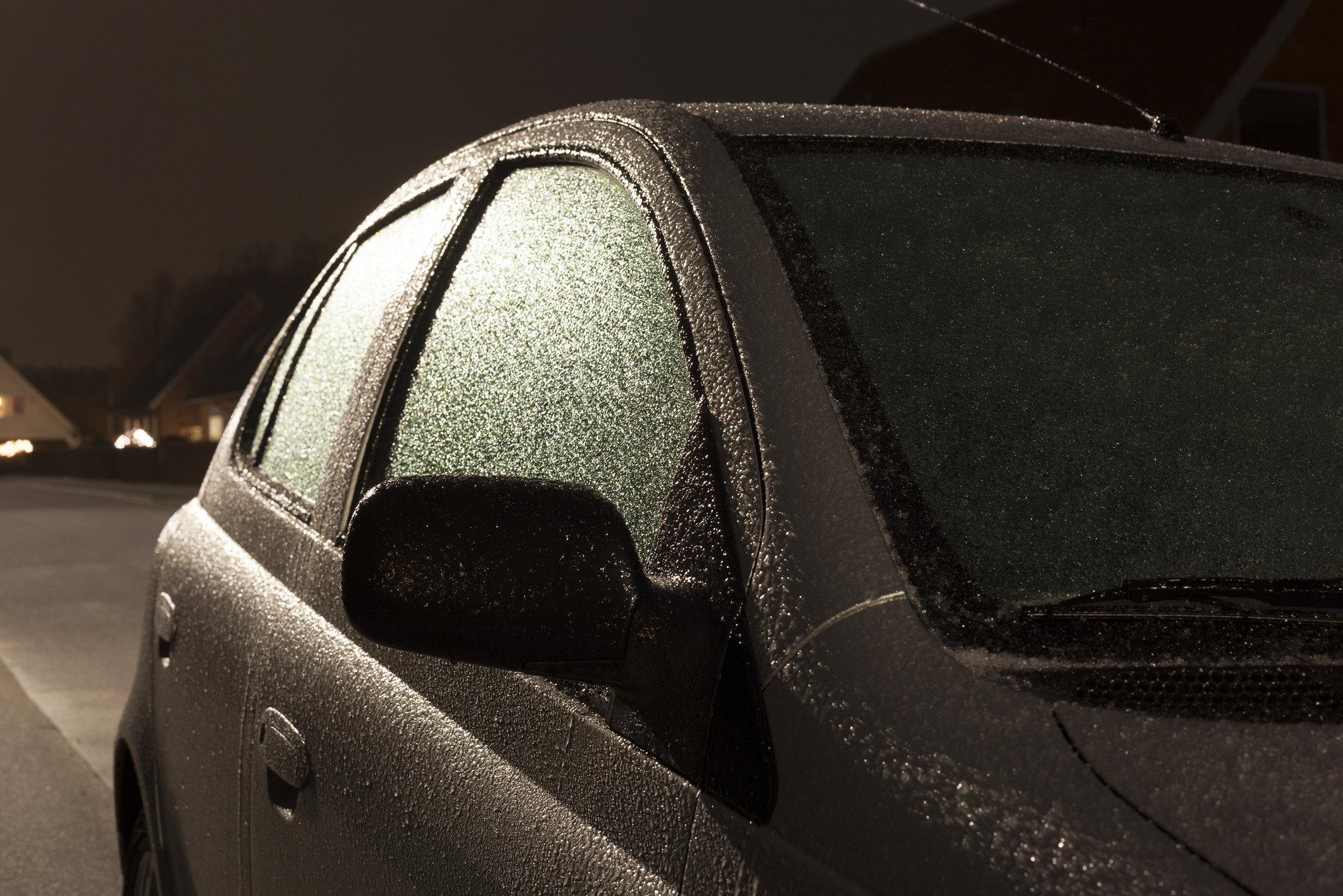 Hver tredje dansker har efterladt bilen i tomgang, bil, vinter, frost