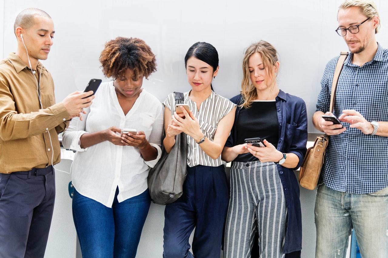 mobil, afhængighed, prioritering, venskab, social