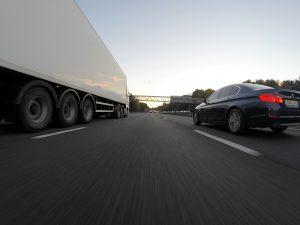 Lastbiler skal til at gøre på afføring (Foto: Pexels)