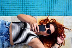 Korrekte måder at oplade sin mobil (Foto: Unsplash)