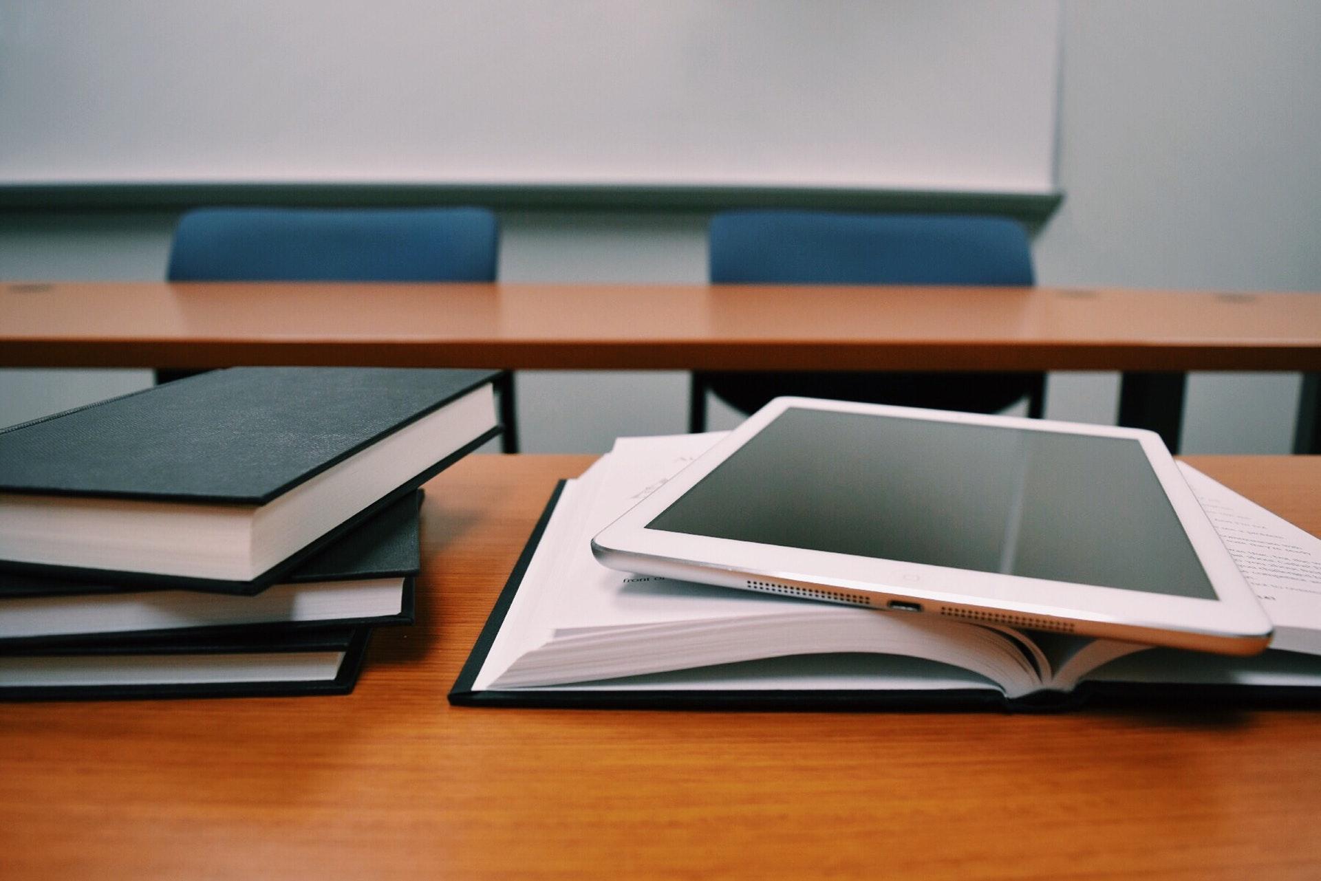 VUC, uddannelse, skole, studie, bøger, lære, læring, læse, ipad, teknologi, bog, bøger, læse