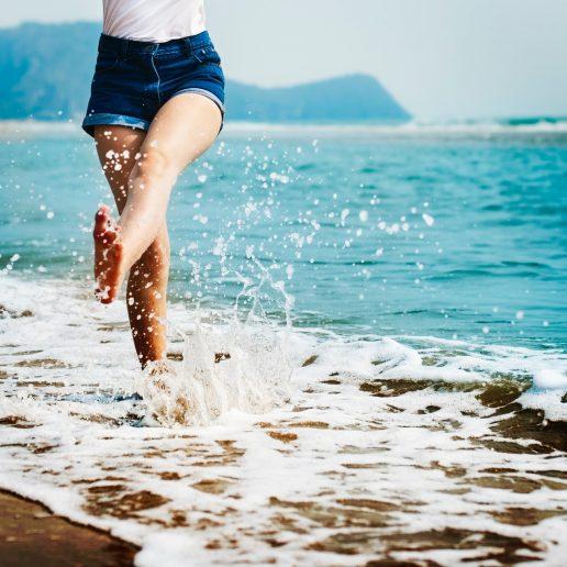 rejse pige strand sommer Bliv sommerferieklar en gang for alle (Foto: Pexels)