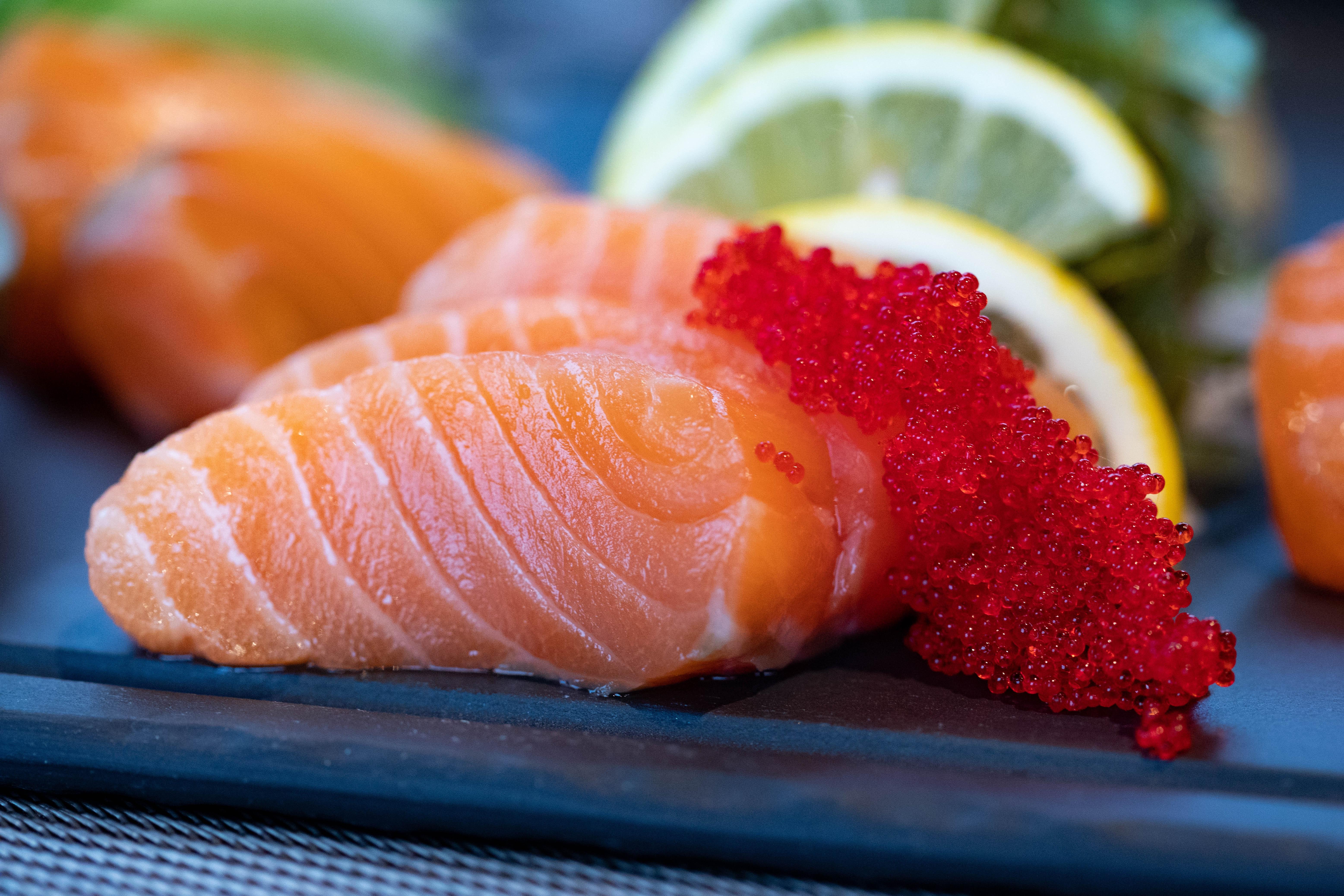 Børn og unge spiser ikke nok fisk. (Foto: Pexels)