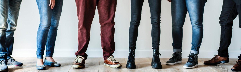 mennesker, folk, danskere, venner, personer, sko, ben, fødder, ærlig, ærlighed, sandhed, undersøgelse