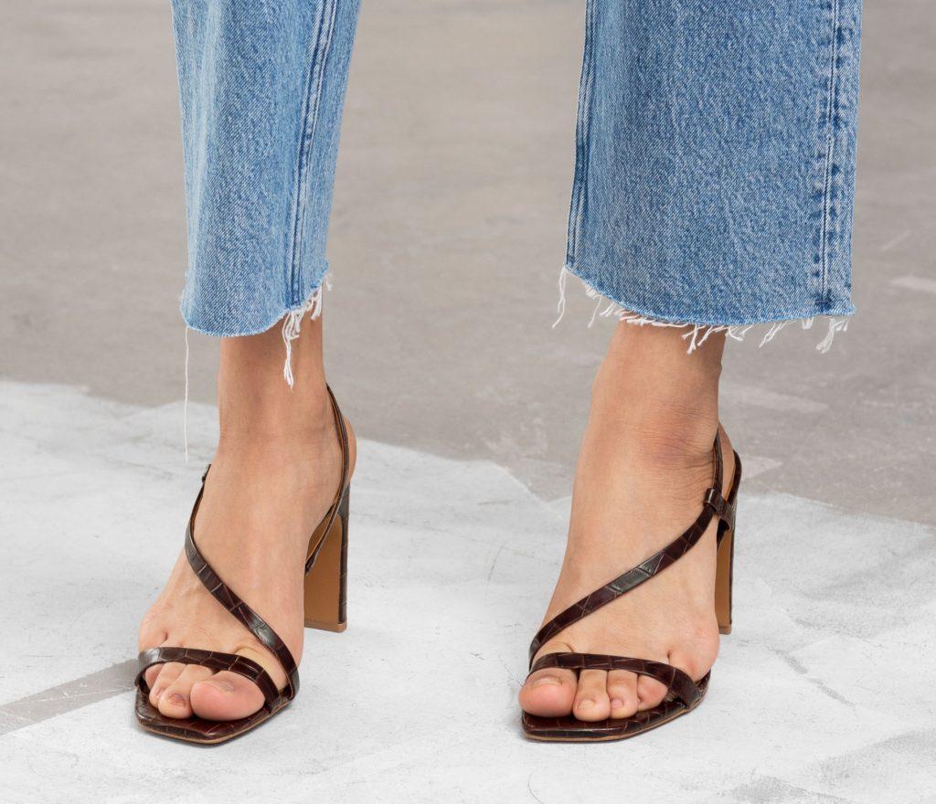 Sommersandal, sommerstilet, sommerlook, sommersko, sko, stilet, sandal, skind, wrap heel, fashion, mode, hæl, sandal, hæl, højhælet