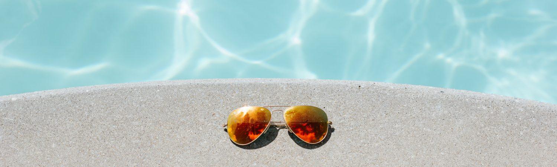 sommer sol solbriller strand (Foto: Unsplash)