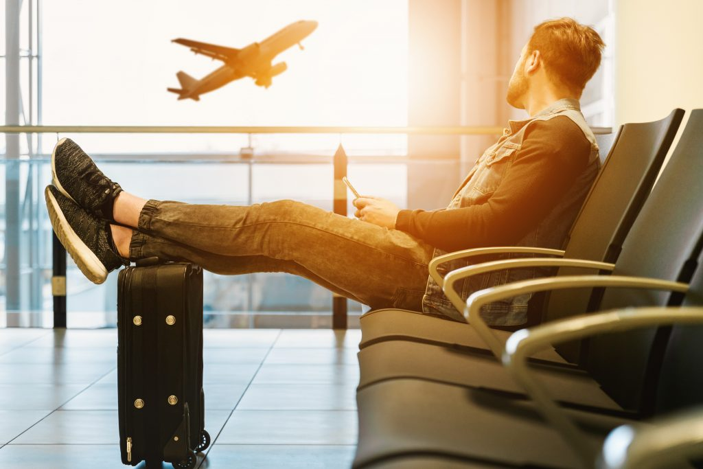 lufthavn kuffert fly rejse flyforsinkelse (Foto: Unsplash)