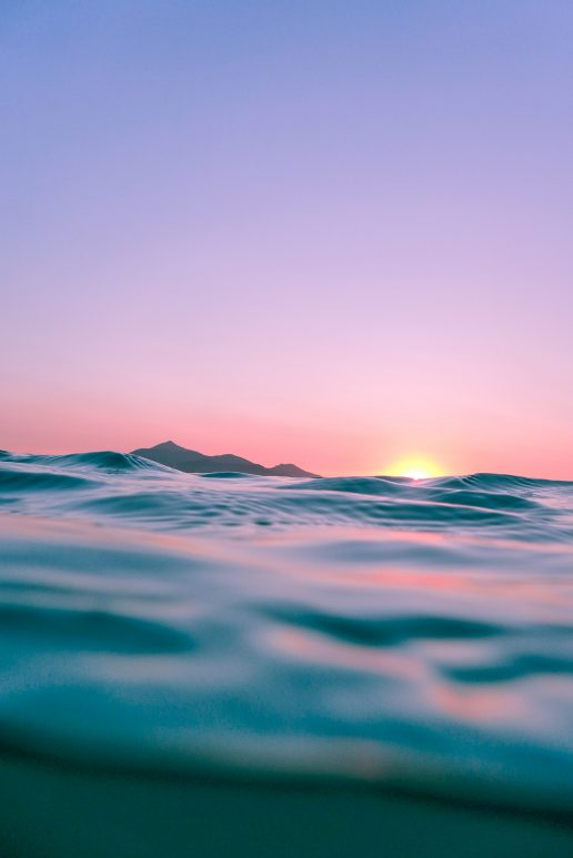 sommer hav vand solnedgang landskab (Foto: Unsplash)