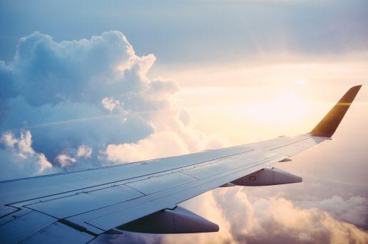 fly flyforsinkelser himlen sky (Foto: Unsplash)
