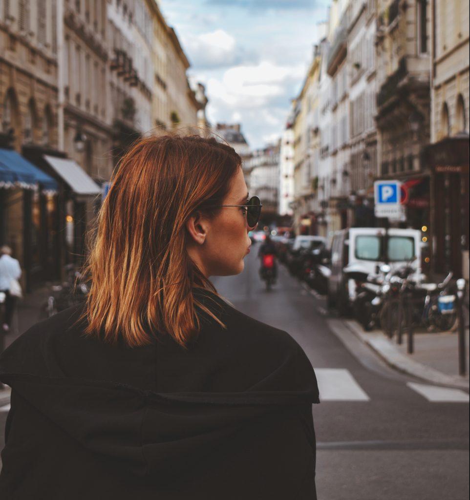 Paris, komplimenter, piger, kvinder, female, femme, ros, hinanden (Foto:Unsplash)