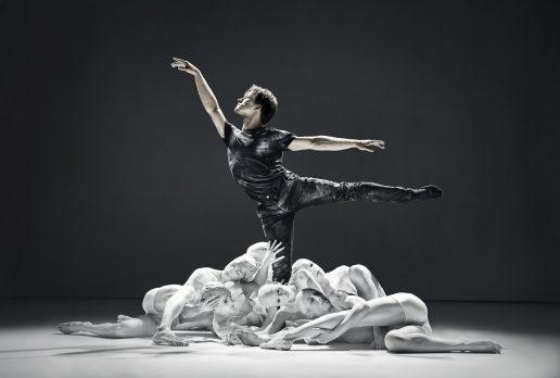 """alban lendorf ballet balletdanser job""""Danish Design"""" Bellevue Teatret 2019(Foto: Emilia Therese)"""