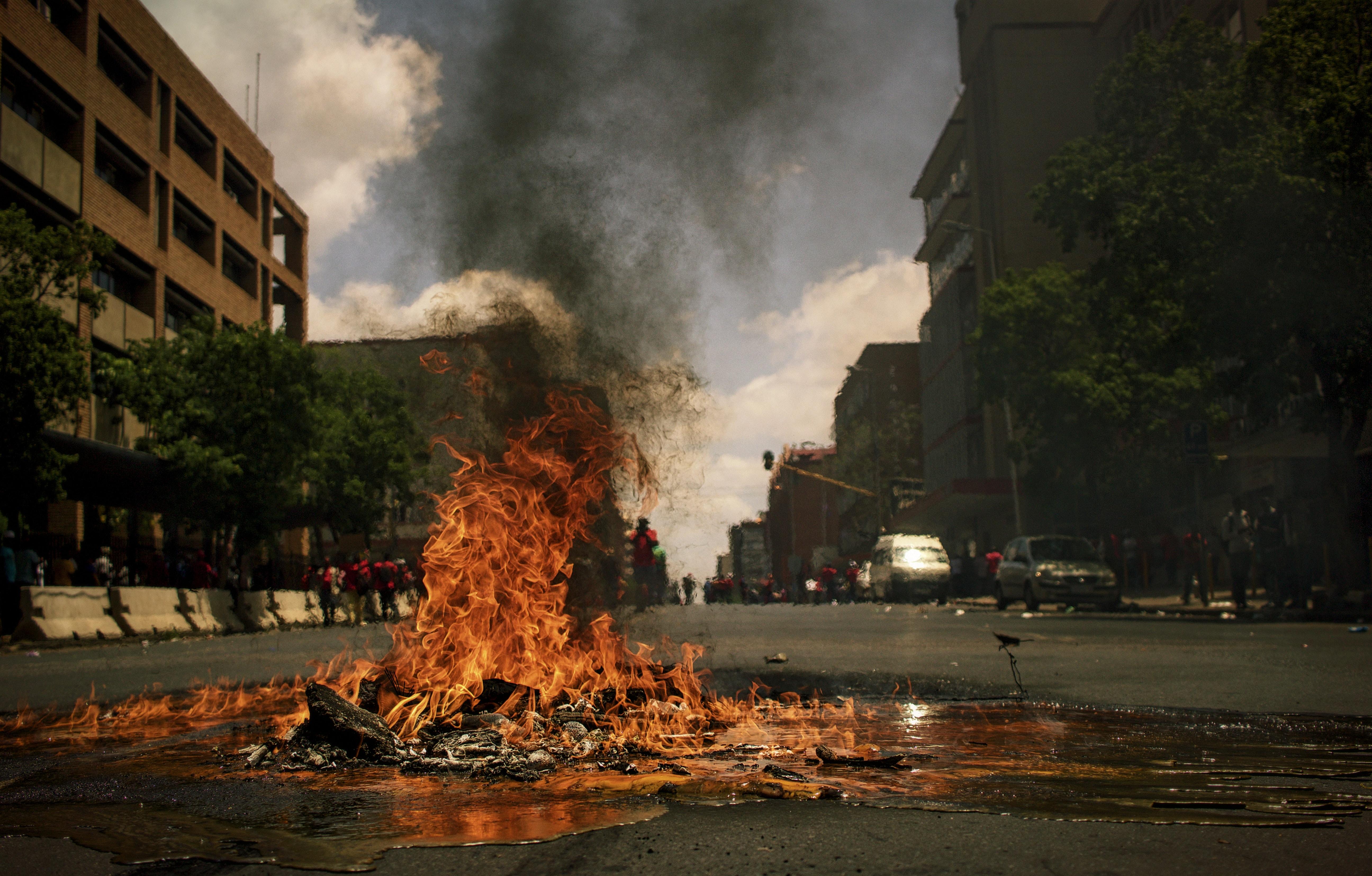 fire, ild, street, road, vej, eksplosion, by
