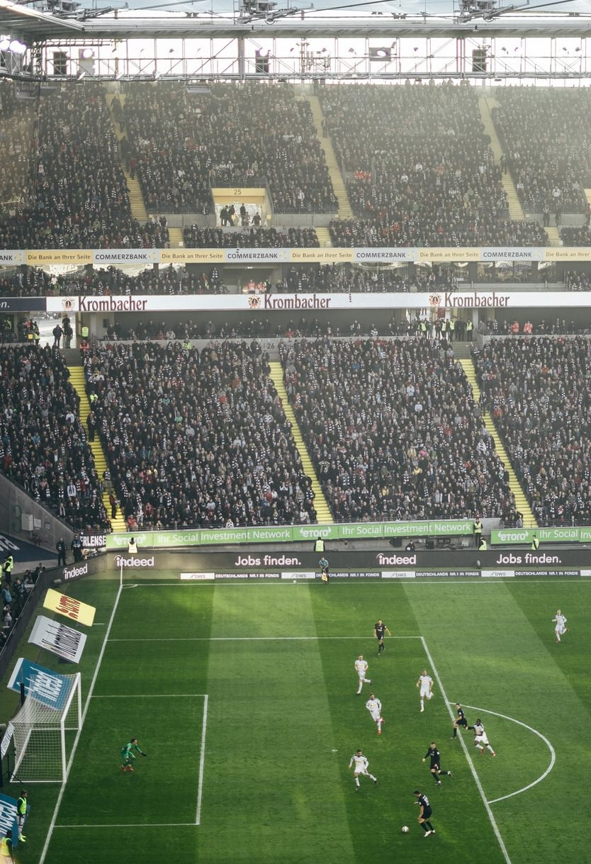 fodbold fodboldstadion fodboldfans (Foto: Unsplash)