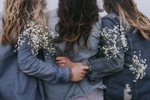 piger veninder venskab hår (Foto: Unsplash)