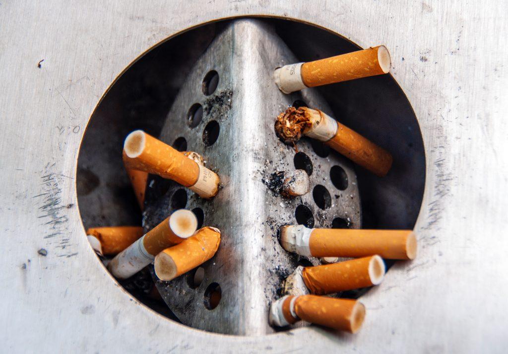 cigaretter smøg rygning skod cigaretskod (Foto: Unsplash)