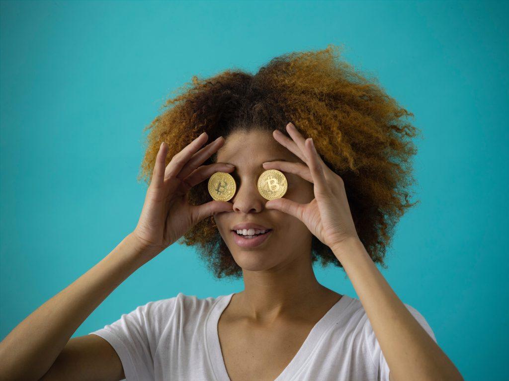 bitcoin kryptovaluta ansigt penge (Foto: Unsplash)