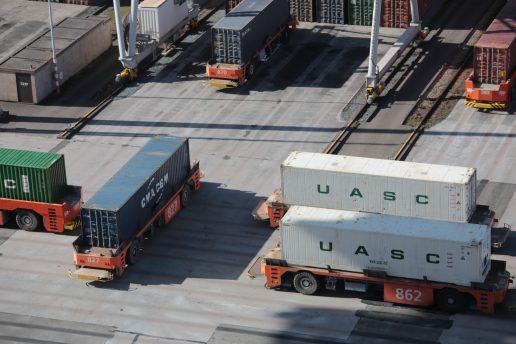 lastbil bil lastvogn container
