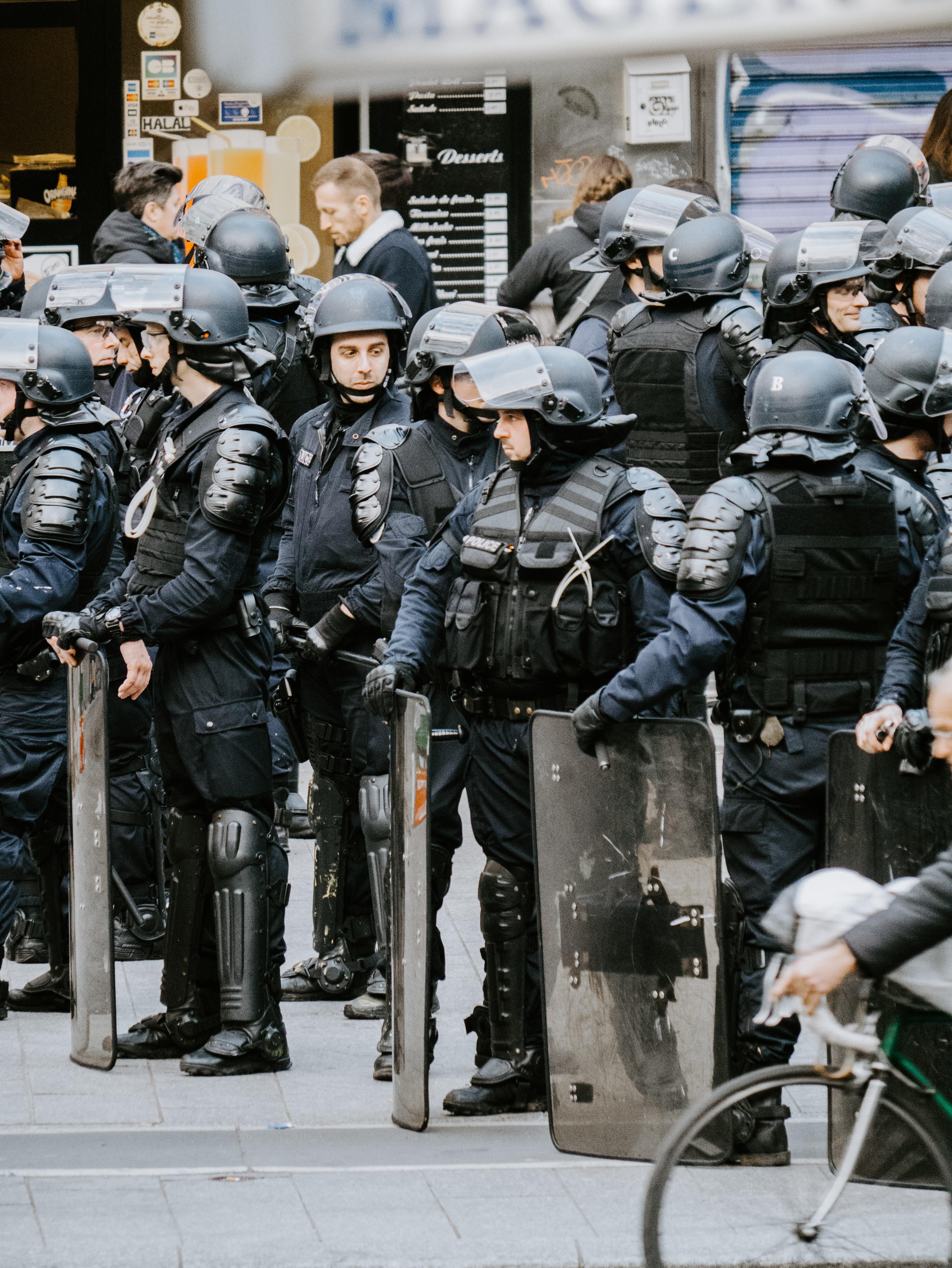 parisisk politi (Foto: Unsplash)