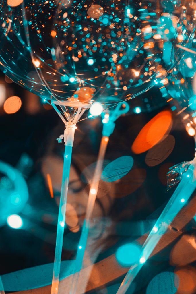 party farver konfetti (Foto: Pexels)