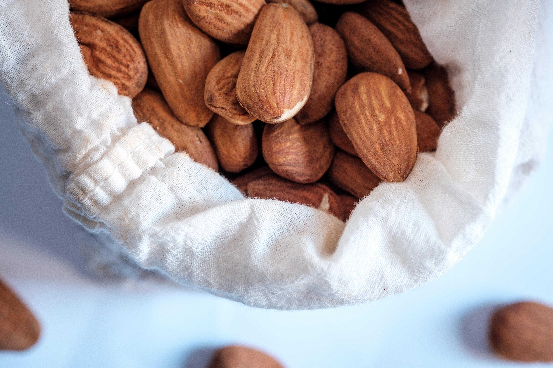 Mandler, nød, nødder, almonds, jul, konfekt, marcipan. (Foto: Unsplash)