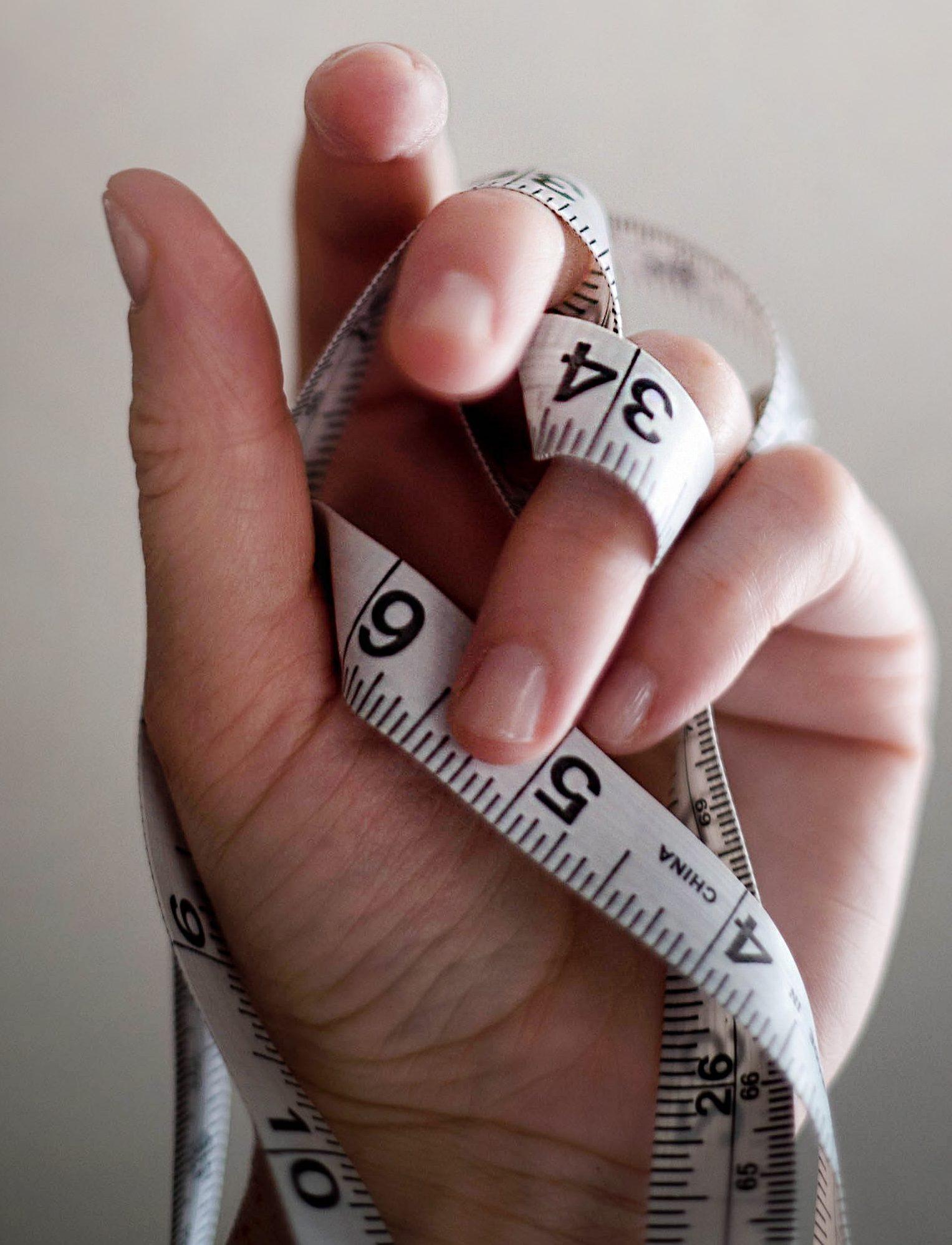 Kvinde, jeans, overvægt, overvægtig, stigende fedme (Foto: Unsplash)
