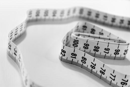 målebånd fedme tyk overvægtig (Foto: Unsplash)