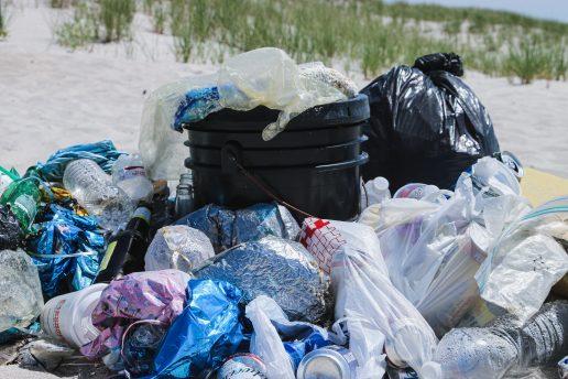 plastik plastikposer affald (Foto: Unsplash)