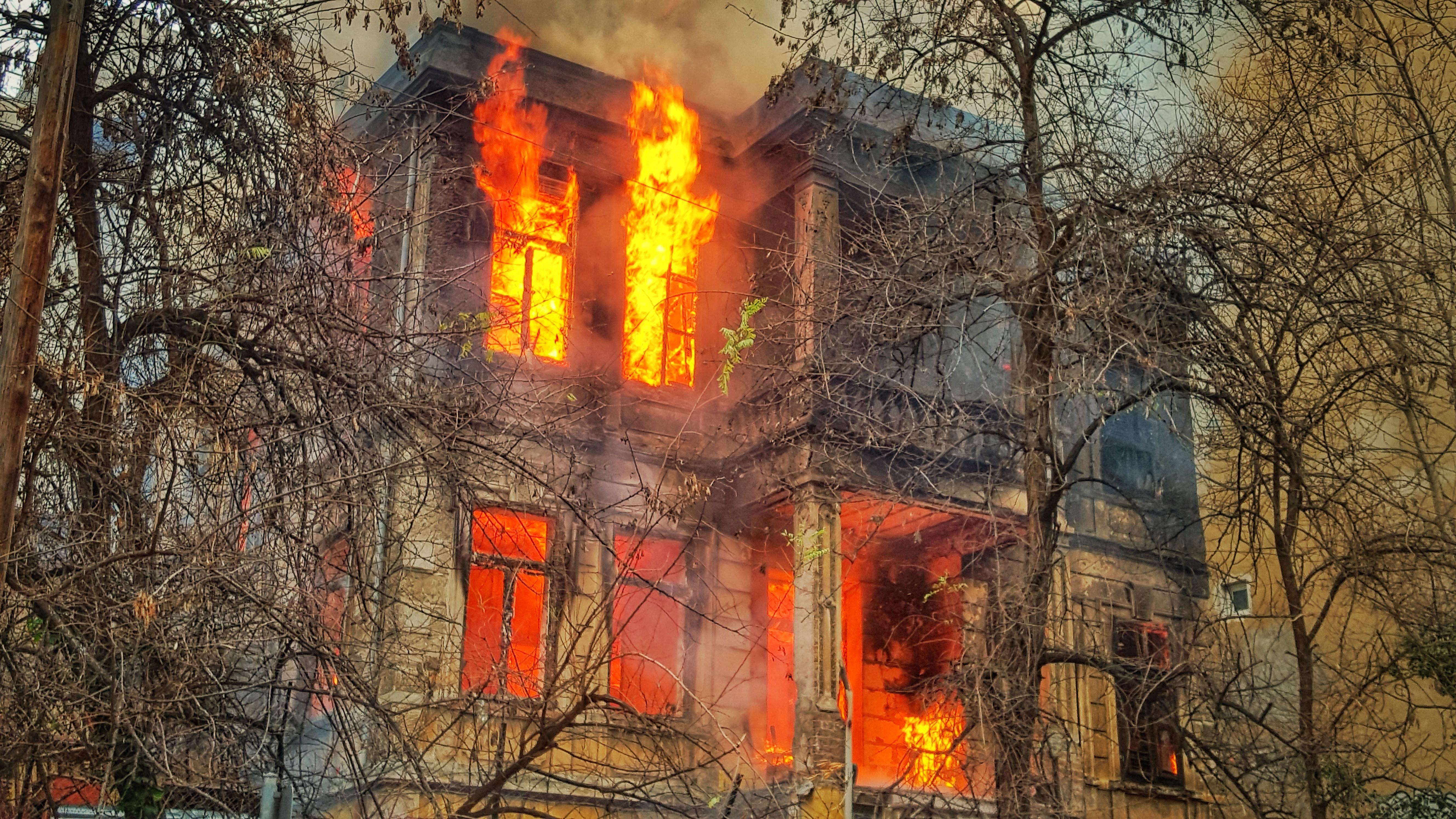 Brand, fire, ild, hus, bygning, bolig. (Foto: Unsplash)