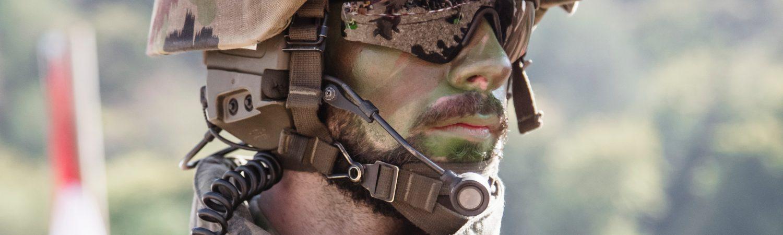 soldat maskingevær krig irak iran (Foto: Unsplash)