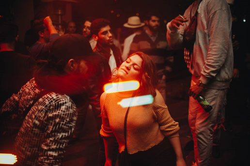 Unge, fest, party, dans, dance, disko. (Foto: Unsplash)