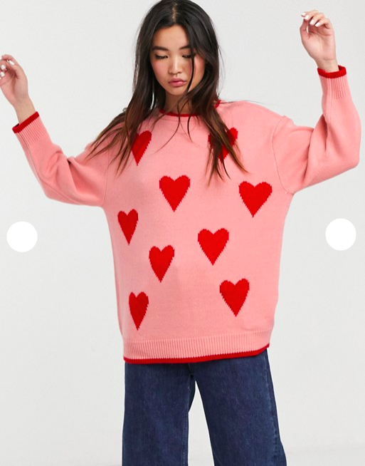 Sweater, hjerter, lyserød. (Foto: Asos)