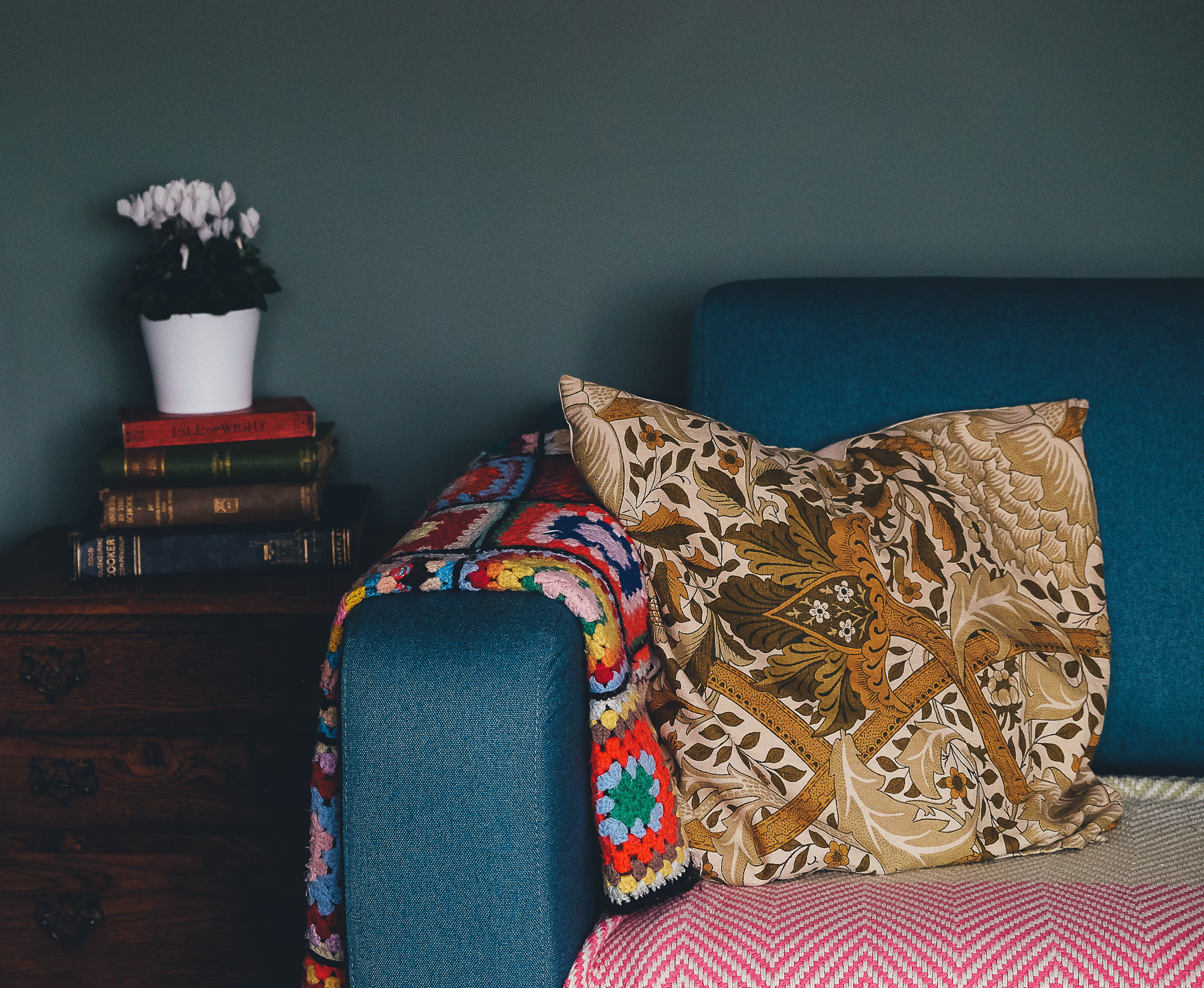 Sofa, pude, indian, style, bolig, boligindretning. (Foto: Unsplash)