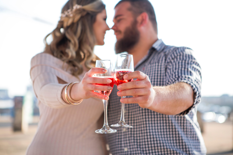 kærlighed, love, forhold, mand, kvinde, drink. (Foto: Unsplash)