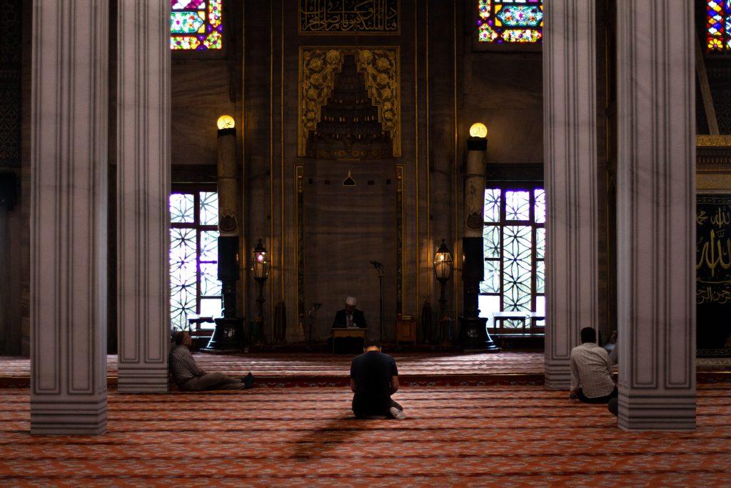 muslim islam bede bøn moske moskéer (Foto: Unsplash)
